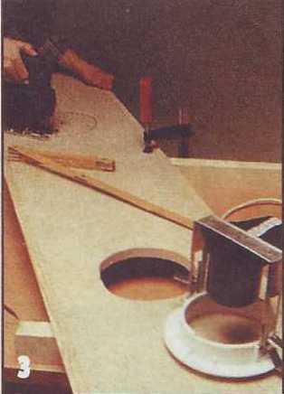 В крышке короба с установленными слева и справа декоративными накладками вырезают с шагом 600 мм круглые отверстия...